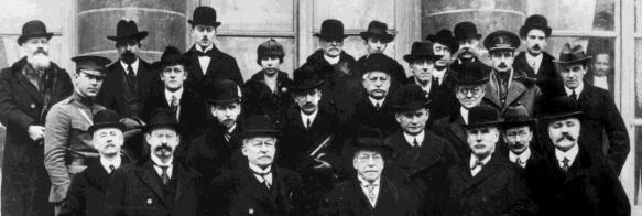 1919-02-01-Dos militares en la foto