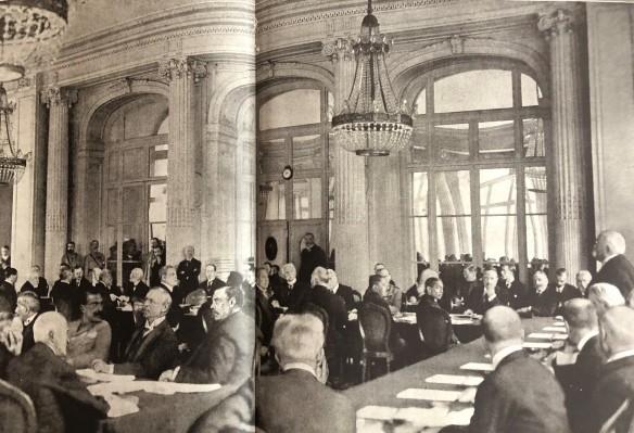 1919-06-en el Trianon-Bustos Clemenceau